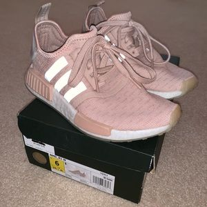 Adidas NMD R1 Boost Running in Light Pink